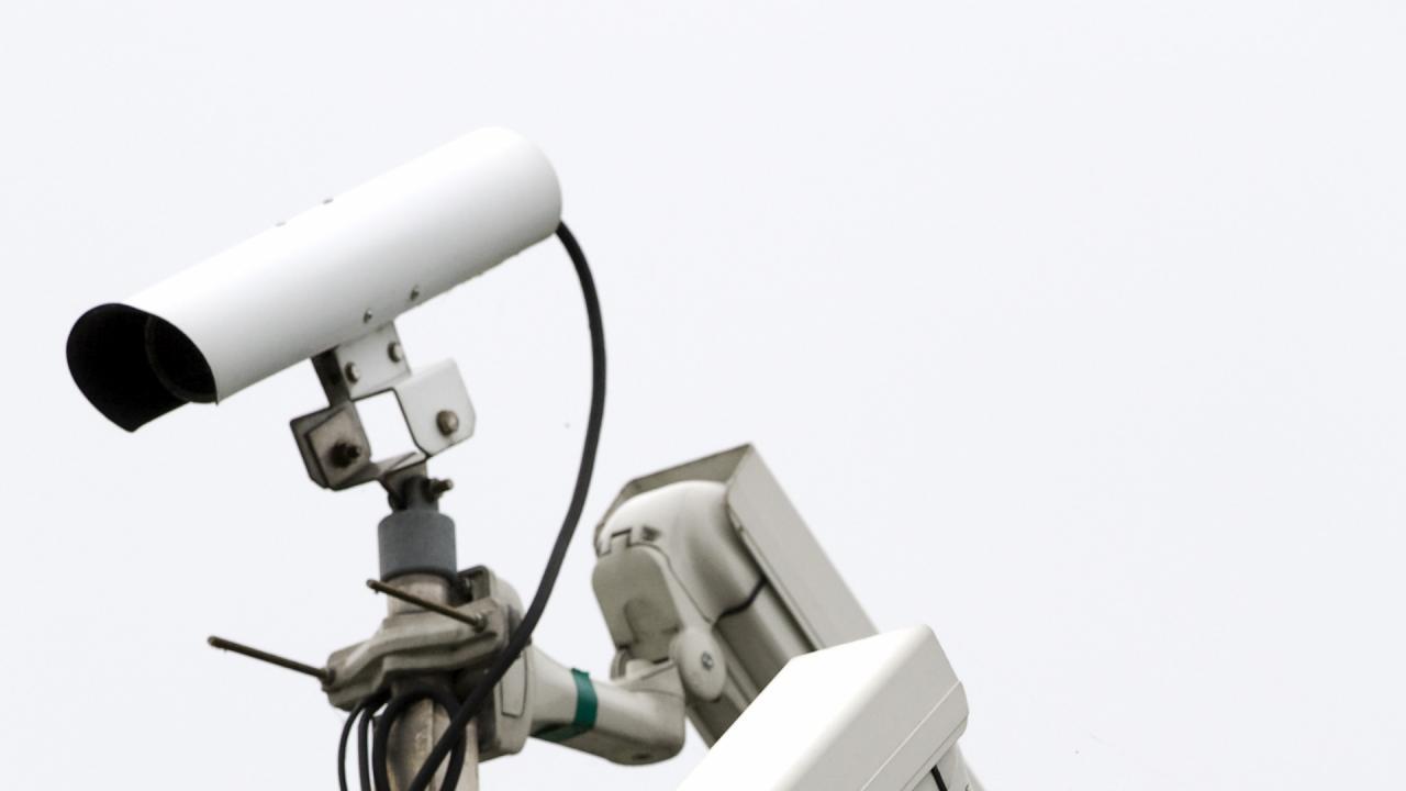 Proef met 'slimme' camera's van start op Schiphol